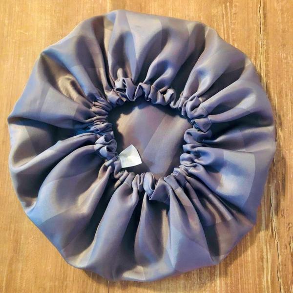 bonnet de douche gris a rayures kalavy
