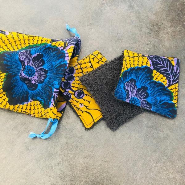 pochon fleurs bleues et lingettes kalavy